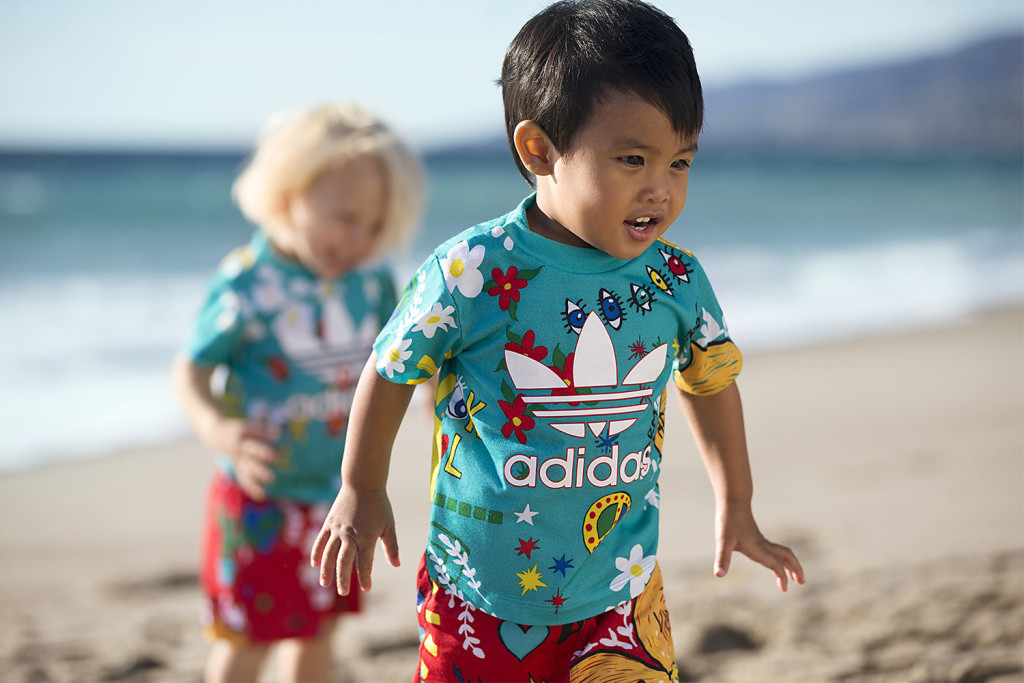 pharrell-adidas-pink-beach-kids-2